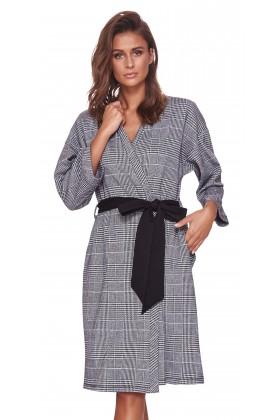 Szlafrok w modną kratkę, o kroju kimona
