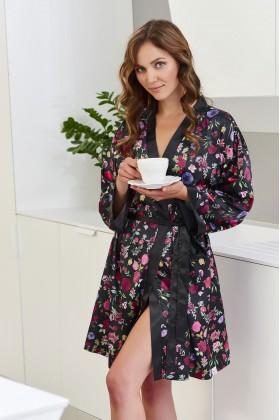 Элегантный черный атласный халат с цветочным принтом
