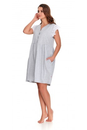Woman's nightdress with lace